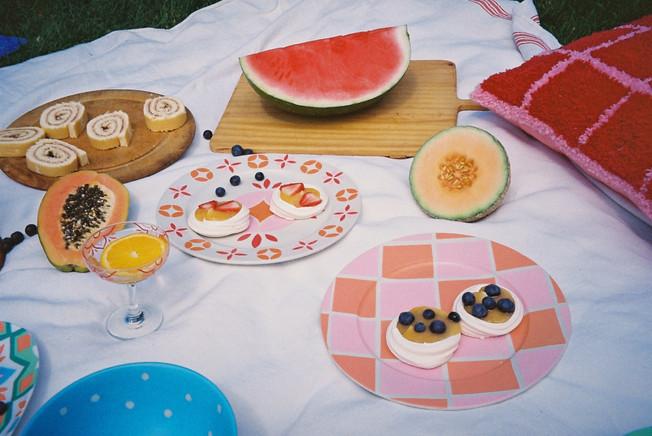 CASABLANCA PLATE + CHECK PLATE + SICILY GLASS + CHECK CUSHION