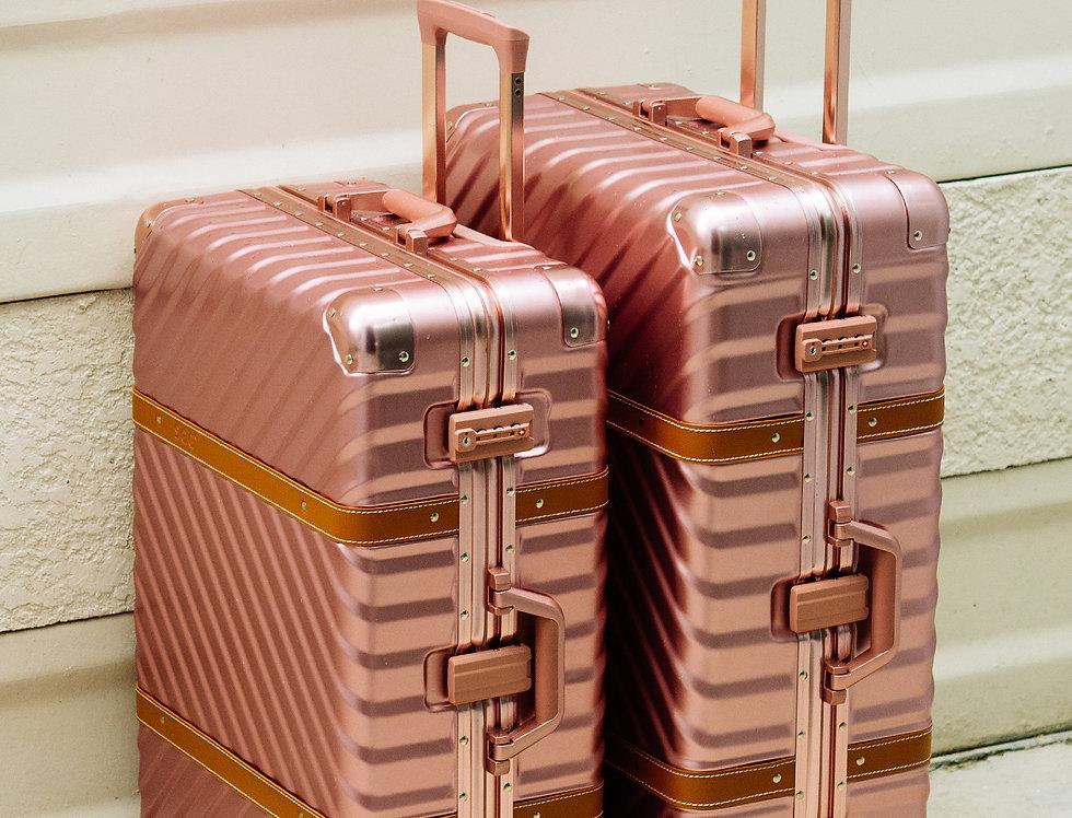 เช่ากระเป๋าเดินทาง รุ่น Retro 26 นิ้ว สีชมพู
