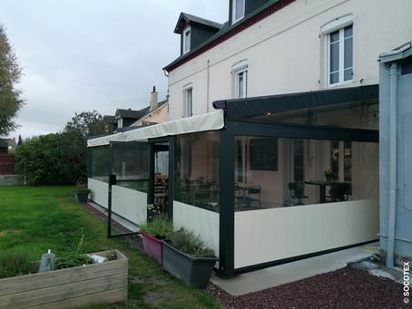"""Le restaurant """"Au Potager"""" a choisi la pergola vélum ID4 pour couvrir sa terrasse."""
