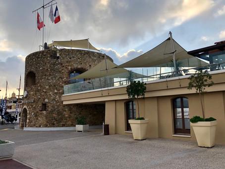 Les voiles d'ombrage Abrivoile® du Port de Saint-Tropez / Capitainerie ont fière allure !