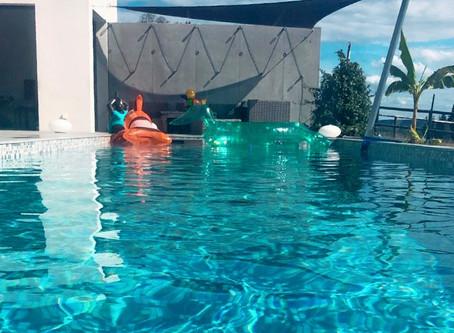 De l'eau, du soleil et de l'ombre sous la voile d'ombrage #AbriVoile… Le top !