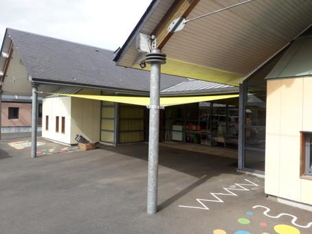 Abrivoile, une solution protection solaire pour école