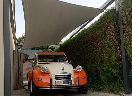 Un carport original pour cette 🚗 2CV de collection…
