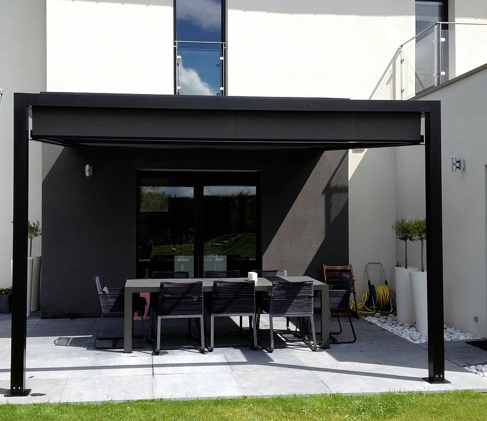ideea terrasse pergolas et stores abritez vous chez nous. Black Bedroom Furniture Sets. Home Design Ideas