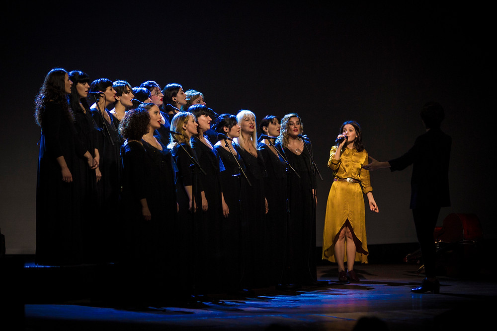 Katie Melua performing with the Gori Women's Choir at The Lowry, Salford 2018 Winter Tour, Allan Jones