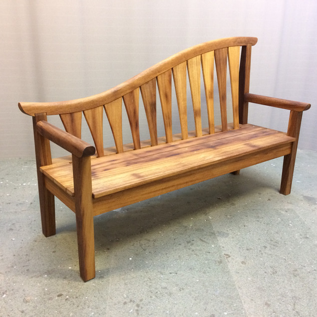 HOGARTH HOUSE BENCH2