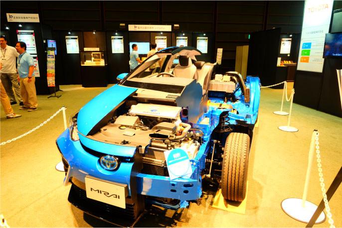 量産FCV(燃料電池車)MIRAI(ミライ)