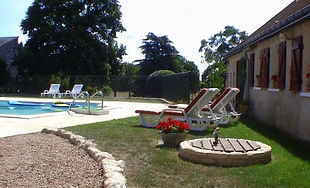poolside gite loire valley