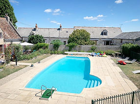 swimming pool area loire valley gite chinon