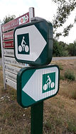 Cycle path signposts chezelet