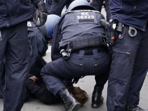 ドイツでのロックダウンを取り締まる警察が狂暴化