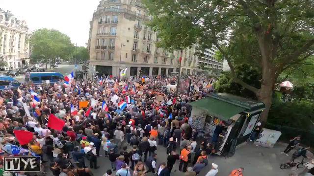 フランスで行われたワクチンパスポートに抗議するデモのタイムラプス映像