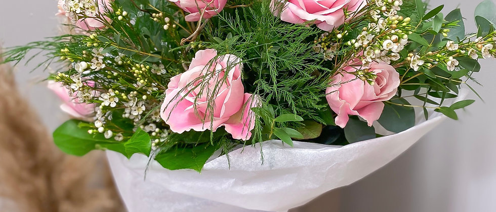 Pink or White Dozen Rose Bouquet