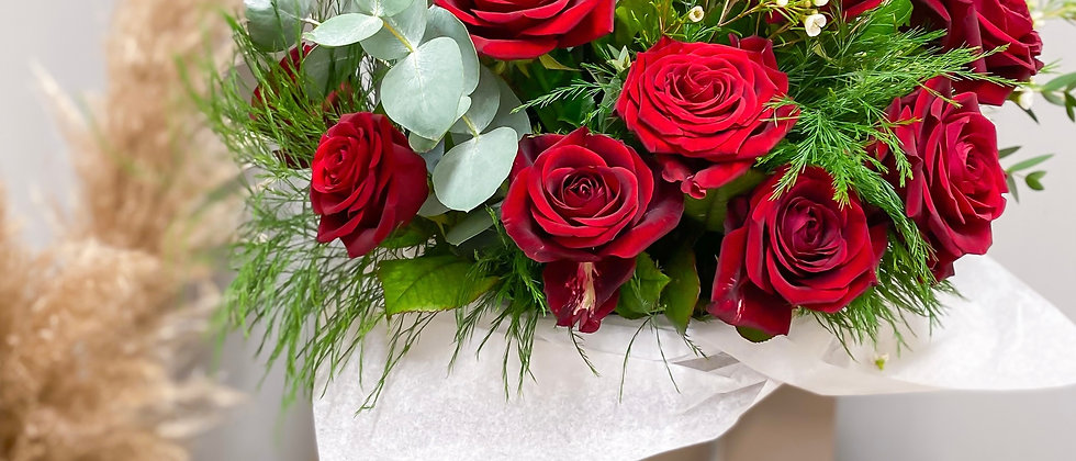 18 Luxury Red Rose Bouquet