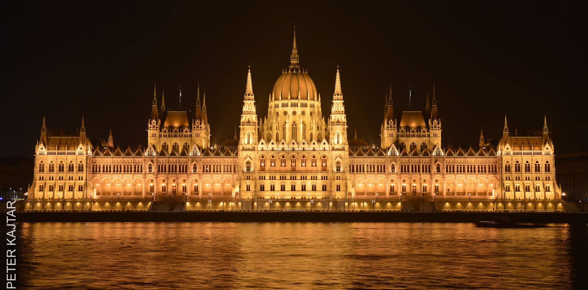 Parlament with reflection
