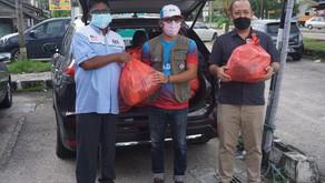 ADUN Tiram agih barangan keperluan asas ke DUN Pasir Raja