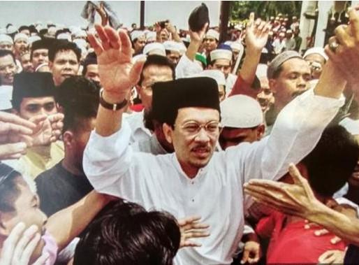Anwar Pilih Jalan Reformasi Sosial