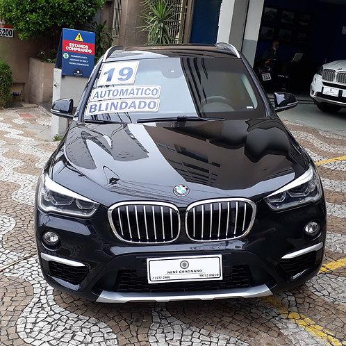 BMW X1 2019 2.0 TURBO ACTIVE FLEX SDRIVE 20I X LINE AUTOMÁTICA BLINDADA NÍVELIII