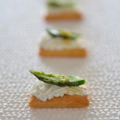catering - John Frieda Luxurious Volume