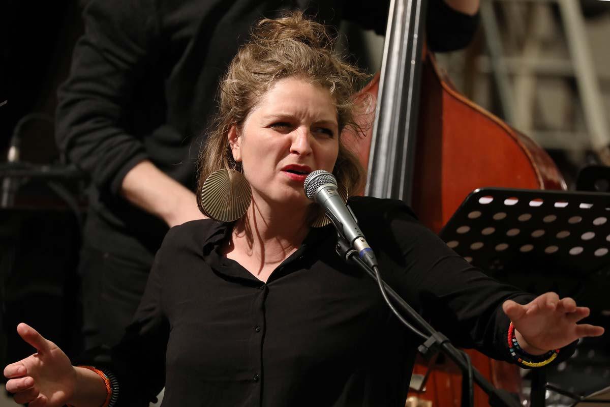 Sarah-Chaksad-Orchestra-julie-Fahrer.jpg