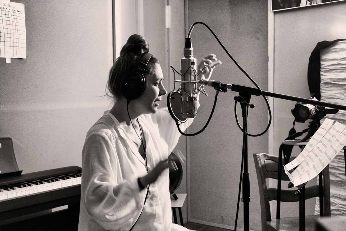 Sarah-CHaksad-Songlines__Lisette-Spinnle
