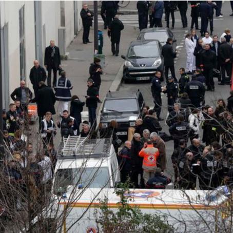 Pembantaian Charlie Hebdo : Sejarah yang Terulang Kembali?