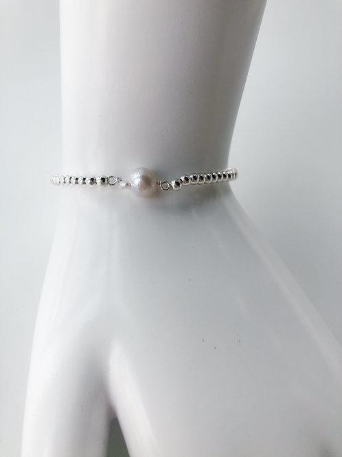 Jocelyn Kennedy Silver Beaded Small Baroque White Pearl Bracelet