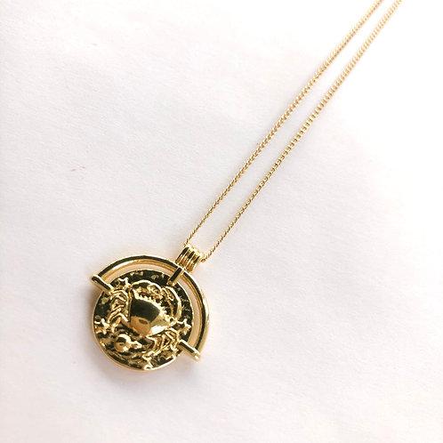 Jocelyn Kennedy Zodiac Sign Necklace- Gold Cancer