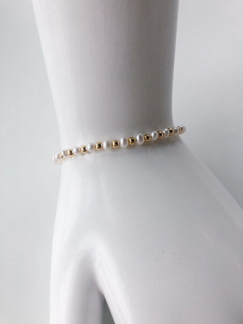 Jocelyn Kennedy Gold Beaded Pearl Bracelet