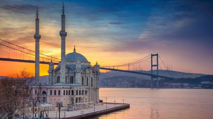 mosque-turkey-bridge-istanbul_1410722029