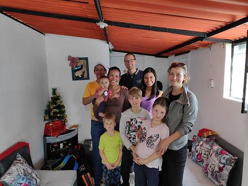 Familie Metzler mit einem unterstützen Microbusiness