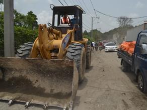 Exregidor del PLD y otras personas ocupan terreno donde se reconstruiría carretera en Santo Domingo