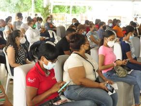 Cientos de personas devueltas a casa en centros vacunación