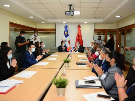 República Dominicana y China firman segundo acuerdo de Cooperación por más de mil millones de pesos