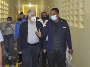 Senador Eduardo Estrella visita Centro de Corrección y Rehabilitación Rafey Hombres