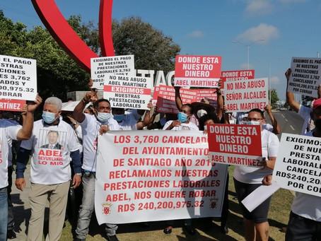 Ex empleados ayuntamiento vuelven a protestar en demanda prestaciones