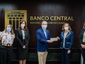 Voluntariado Bancentraliano hace donación de RD$400,000 pesos a UNICEF de República Dominicana