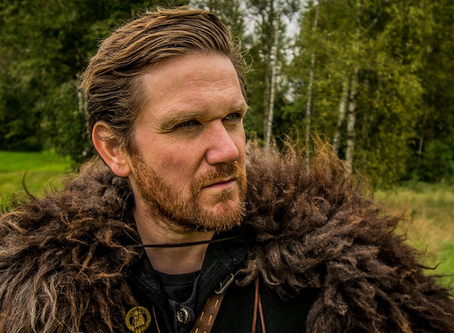 How to Throw an Axe and Hit the Bullseye Viking-Style!