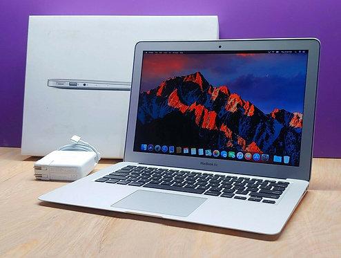 Macbook Air 13 2012, Core i7, 8GB Ram, 256 SSD, Office 2019, Final Cut Pro