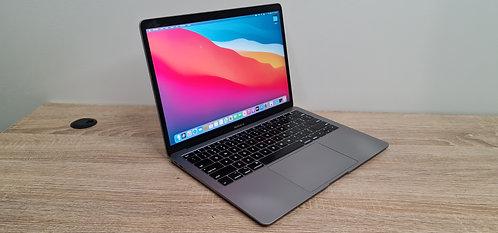 MacBook Air 2019,13.3″ Retina Display, i5, 16GB, 512GB SSD, Office 2019