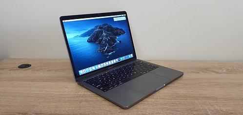 MacBook Pro 13 2017″ Retina Display – i7 – 16GB – 512GB SSD – Office 2019