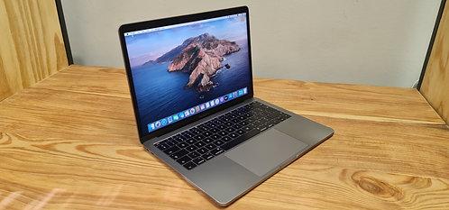 MacBook Pro 13 2017 Retina Display, Core i5 – 8GB – 256GB SSD – Office 2019