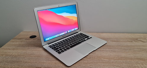 Macbook Air 13 2017, Core i5, 8GB Ram, 128GB SSD, Office 2019, Final Cut Pro