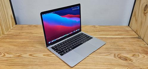 MacBook Air 2018,13.3″ Retina Display, i5, 8GB, 256 SSD, Office 2019