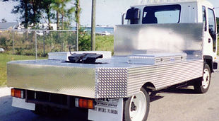 12ft-aluminum-5th-wheel-truck-body-sm.jp