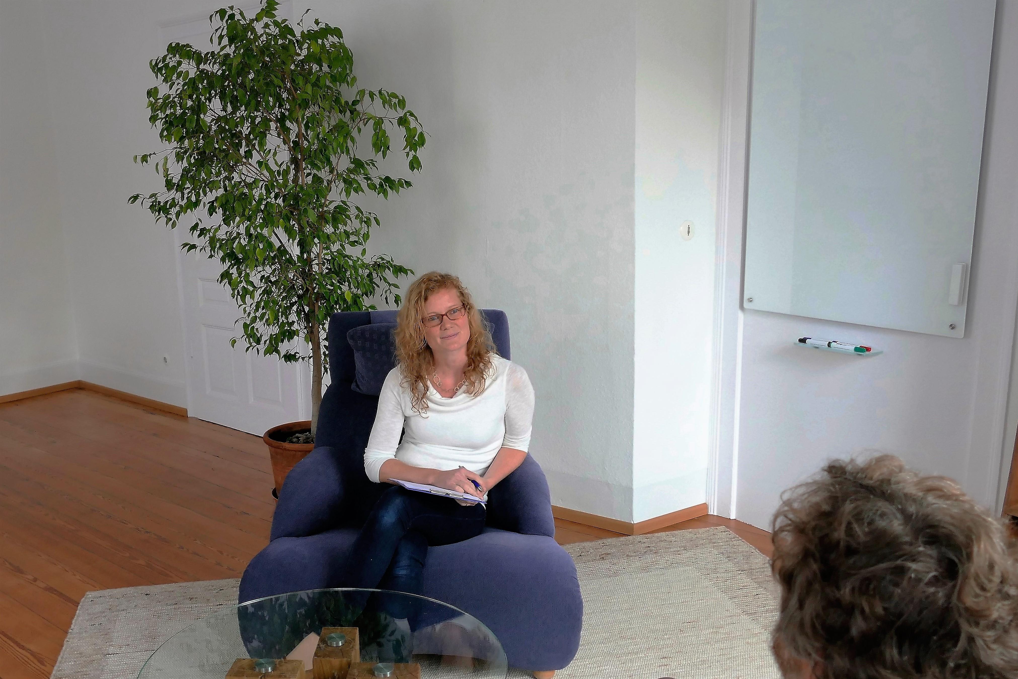 Psychotherapeutin Hanna Monegi