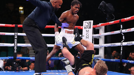 WATCH: Evander Holyfield's son delivers powerful TKO just 16 seconds into pro boxing debut