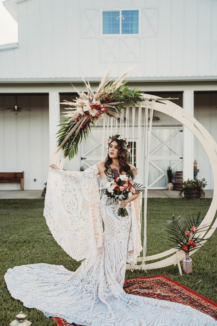 Wooden Circle Arch