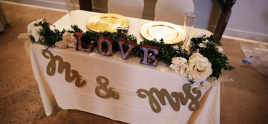 Festival on 8th Sweetheart Table