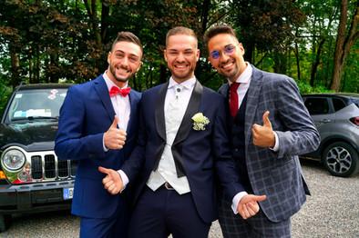 Fotografo matrimonio sposo e amici.jpg